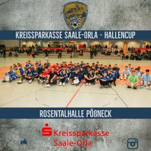 Ebenfalls am 04.01.2020 trat der JFC Saale-Orla als Gastgeber in Erscheinung. Dem Turnier, gesponsert von der Kreissparkasse Saale-Orla, folgten zehn Mannschaften von denen 5 die höchste Spielklasse im deutschen Fußball spielen den Lockruf aus Pößneck. Für die Stadt Pößneck und die Region war dies ein Ereignis, was es in dieser Größenordnung in den letzten Jahren nie gab. Dafür möchten wir uns im Namen des JFC Saale-Orla e.V. bei der Kreissparkasse Saale-Orla um Christian Böhnke (siehe Bildmitte) recht herzlich danken!!